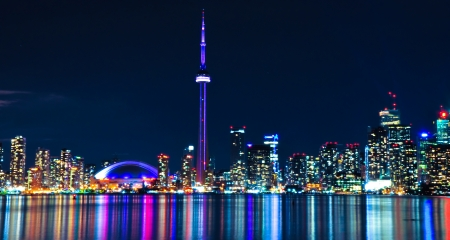 building cn tower: Toronto Skyline at Night