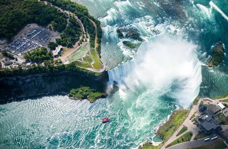 Aerial view of Niagara waterfall. 스톡 콘텐츠 - 132110398