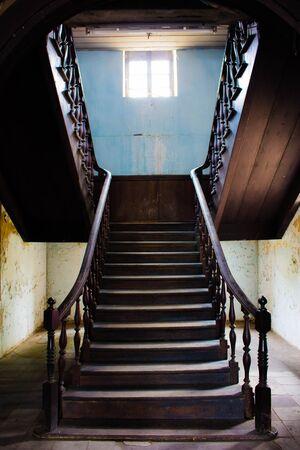 bangrak: Old Building Stairway