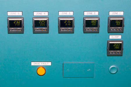 High precision of many temperature control device display on control panel for industrial