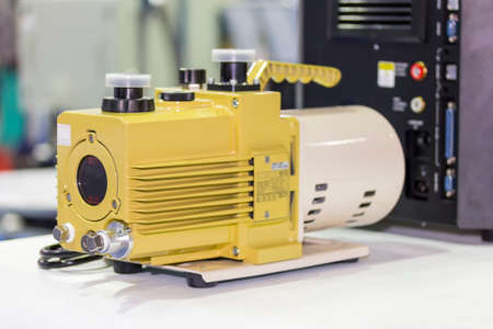 oil rotary vane pump or vacuum pump for high pressure for industrial on the table