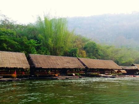 houseboat: houseboat Editorial