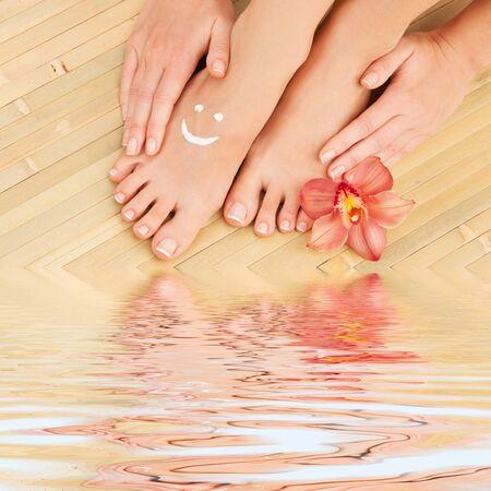 moisten: Care for beautiful woman legs