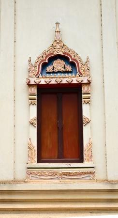 wor: Thai temple door sculpture in Lopburi province Stock Photo