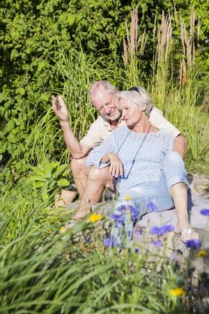 Dashuria e pleqëve 21946133-senior-paar-geniesst-den-ruhestand