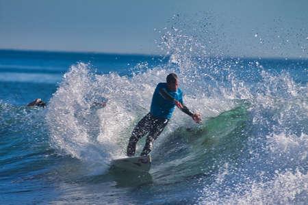 Surfing in the Rincon Classic surfing contest in 2009 Standard-Bild