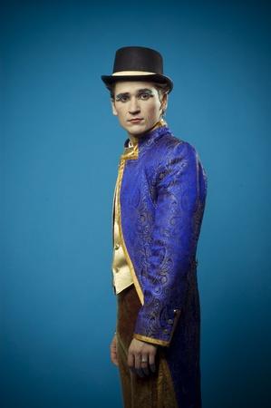 caftan: Portrait of the actor