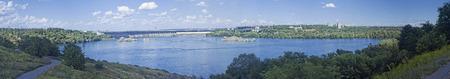 hydroelectric station: panorama della stazione idroelettrica Dnieper � la pi� grande centrale idroelettrica sul fiume Dnieper, posto in Zaporozhia, Ucraina