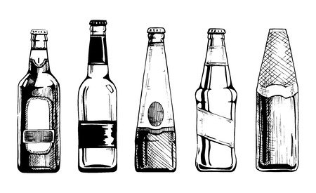 Vector set of beer bottles in ink hand drawn style. isolated on white. Stock Illustratie