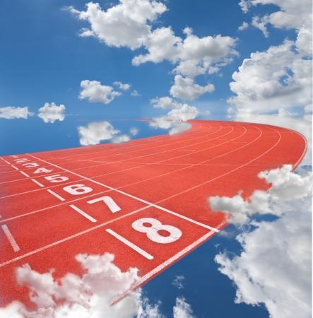 relevos: carriles de la pista de Atletismo en el cielo
