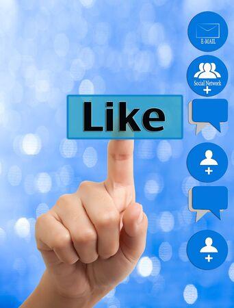 interaccion social: mano de mujer presionando como bot�n
