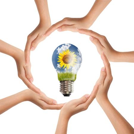 together concept: Multirracial manos humanas haciendo un c�rculo con copia espacio
