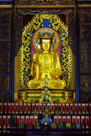 GLOD: Glod Avalokitevara statue in a temple