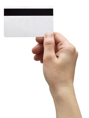 Hand, die eine Kreditkarte getrennt auf Weiß anhält