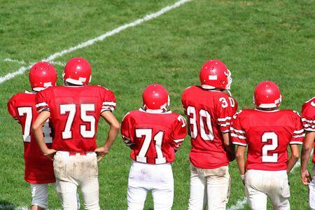 High School Football Team op zijlijn