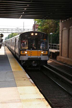 Commuter Train in Motion on New York Line Zdjęcie Seryjne