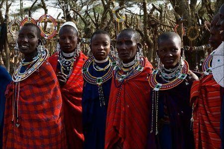 Les Maasai (�galement Masai) sont un groupe ethnique nilotique de population semi-nomade situ� au Kenya et au nord de Tanzania.On mars 2009. Tanzanie.