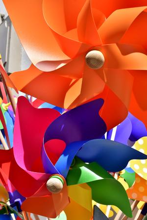 molinos de viento: molinos de viento de colores de fondo
