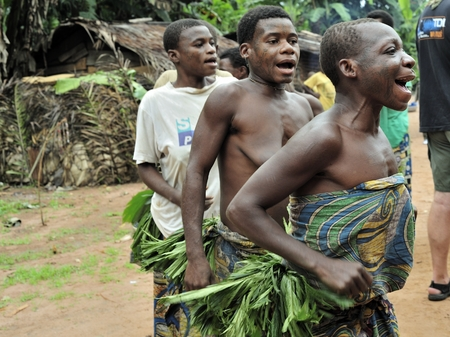 pigmy: DZANGA-SANHA FOREST RESERVE, CENTRAL-AFRICAN REPUBLIC (CAR), AFRICA, 2008 NOVEMBER 2: People from a tribe of Baka pygmies in village of ethnic singing. Traditional dance and music. Nov, 2, 2008 CAR