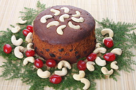 cashew tree: Homemade cake with Plums,Cashew nuts