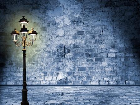 Nachtelijke landschap in de straten van Londen, glooming lantaarn, mystieke stemming