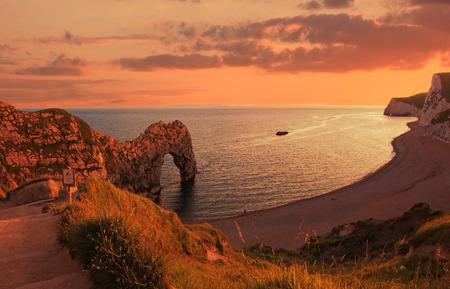 durdle door: durdle door and cove in the evening, jurassic coast, UK