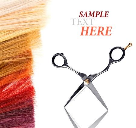 tinte cabello: cerraduras de te�ido de pelo en blanco Foto de archivo