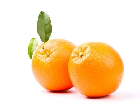 白い背景で隔離の葉とオレンジ 写真素材