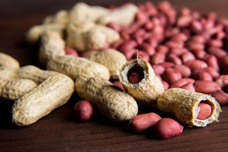 arachis: Raw peanuts or arachis on the table