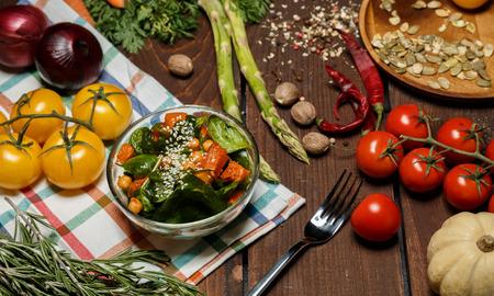 熟した: 熟したサラダ 写真素材