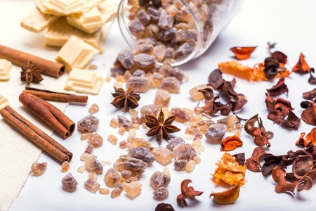 different sweet sugar - brown, white and crystal and spieces - cinnamon and anise Stok Fotoğraf