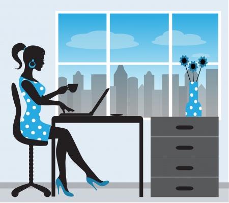 oficina: silueta de una mujer con una computadora portátil en el fondo de una ventana Vectores