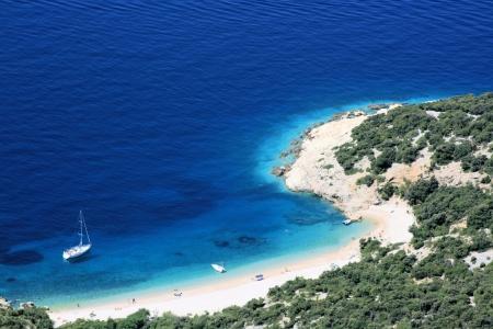 chorwacja: Miasteczko plaża na wyspie Cres, Chorwacja Zdjęcie Seryjne