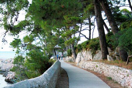 walking trail: percorso a piedi l'isola di Losinj, Croazia Archivio Fotografico