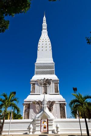 dyllic: White PraThat Tha Uthen with blue sky , at Nakorn Phanom province Thailand Stock Photo