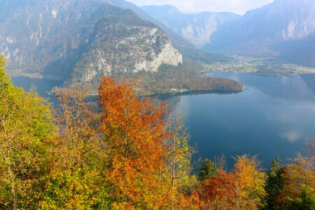 A view from the Buildings and nature of hallstatt, austria 版權商用圖片
