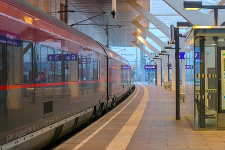 Vienna, Austria - Oct 21, 2018: standard-gauge rack railway connecting, Austria 新聞圖片
