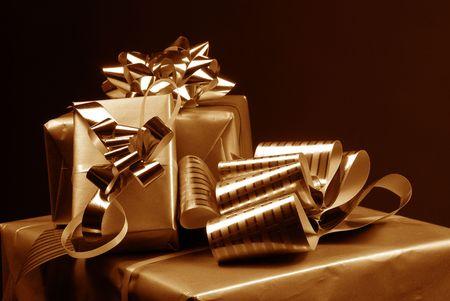 three gift boxes: Tres regalo de tono sepia de cuadros  Foto de archivo