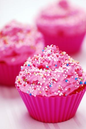 Pink Cupcake-Geburtstags-Überraschung  Standard-Bild