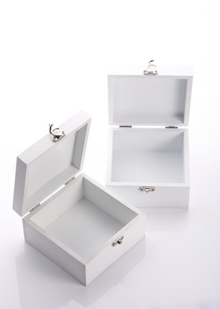 white wood box open of the product packaging photo