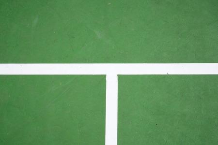 raqueta de tenis: superficie de la pista de tenis verde, historial deportivo Foto de archivo