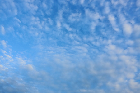 dramatic blue sky with cloudy, weather tropical background 免版税图像 - 122020270