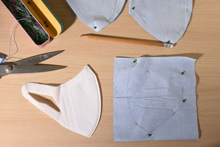 layout of face protective mask handmade from fabric Stockfoto