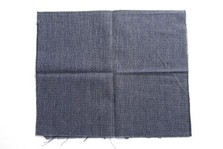 blaues Stofftuch isoliert auf weißem Hintergrund