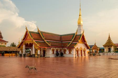 chum: Wat Phra That Choeng Chum Master royal monastery of Wat province.