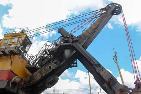 Mine huge coal mining drill machine 版權商用圖片 - 134806443