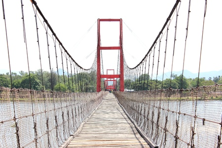 full suspended: THE ROPE BRIGE