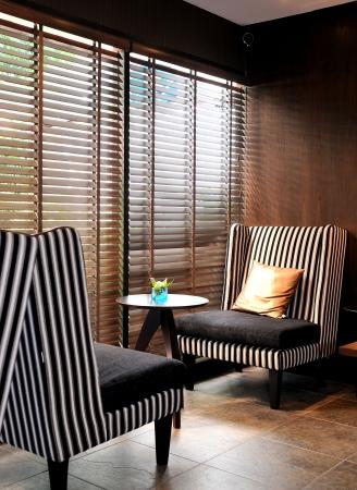 blinds: room