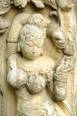 thai dancing: statue