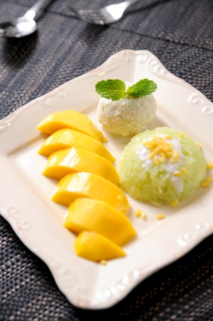 mango leaf: Rice Mango Thai Dessert Stock Photo